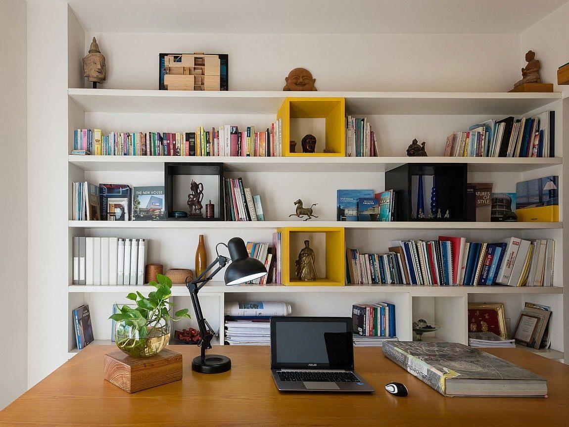 Description: Organized home office and library design Nhà phố Sài Gòn với thiết kế giải quyết vấn đề về diện tích qpdesign