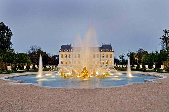 Description: 2a 1450346077 660x0 Biệt thự dát 15.000 lá vàng đắt nhất thế giới qpdesign
