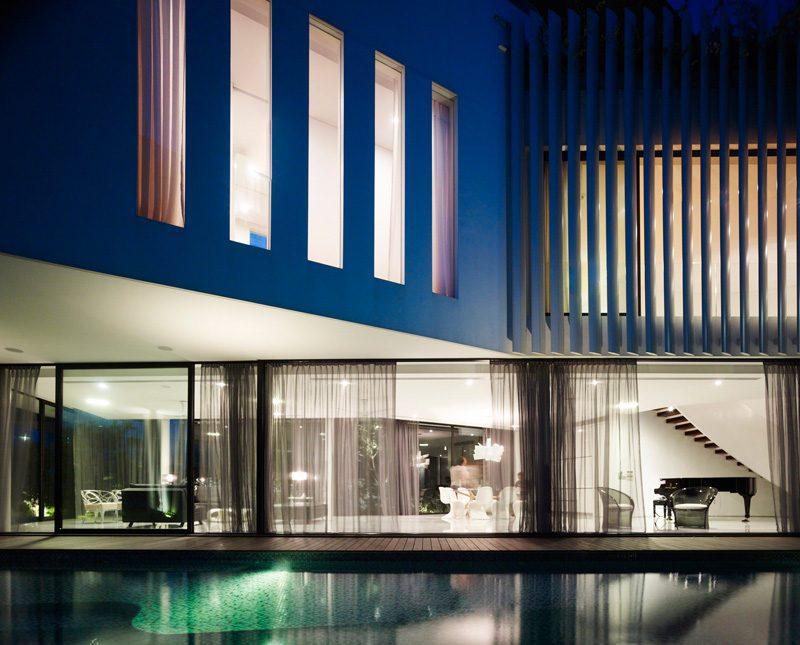 Description: 13 cove grove 271215 05 Ngôi nhà hiện đại và tiện nghi với hình dáng chiếc BOOMERANG qpdesign