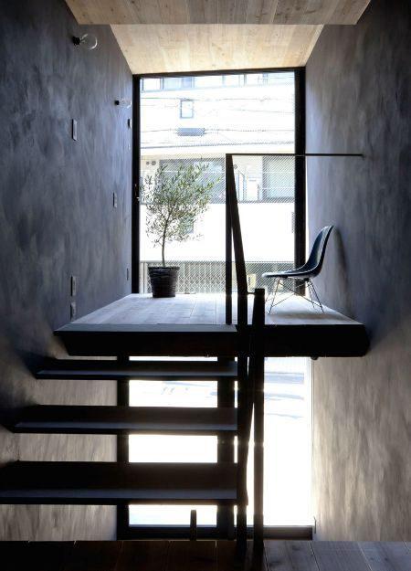 Description: Toshima long and narrow house terrace 1439461972 1200x0 Thiết kế thông minh cho nhà ống hẹp 1.8m qpdesign